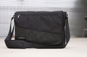 messenger-bag-black